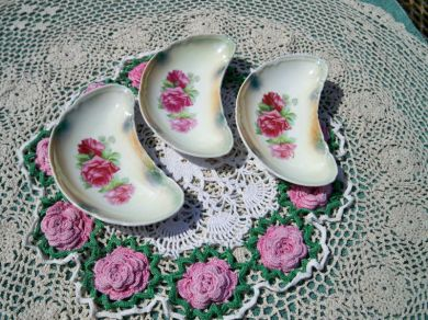 Vintage 1930s Pink Roses China Crescent Bone Dishes Vanity Candy Dishes Germany